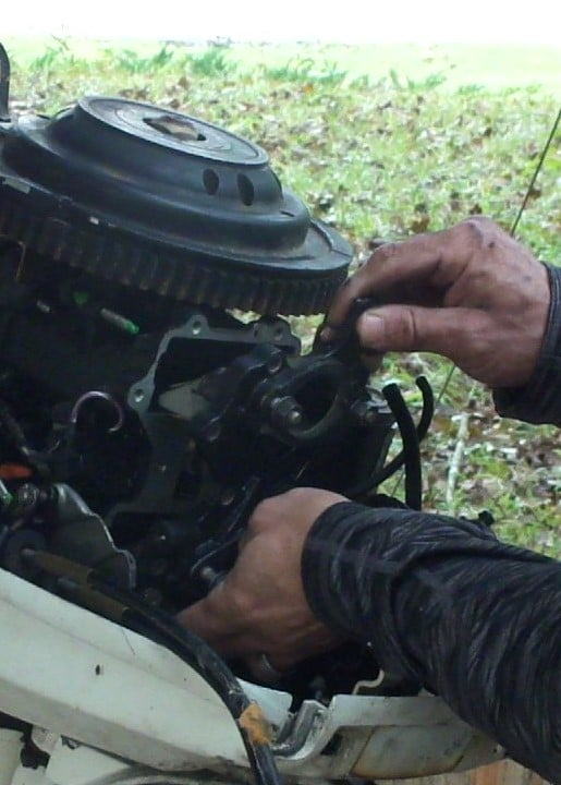 How to Inspect Reed Valves on a Johnson 40hp Outboard