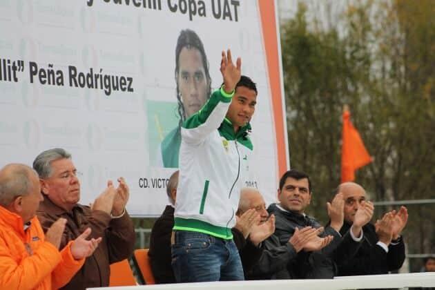 """Carlos Alberto """"Gullit"""" Peña Rodriguez fue el Padrino de la edicion XXX de la Copa Universidad."""