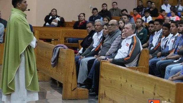 GALERÍA:@CFCorrecaminos Renuevan la Fe