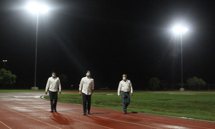 Termina rehabilitación de iluminación en el Polideportivo Victoria