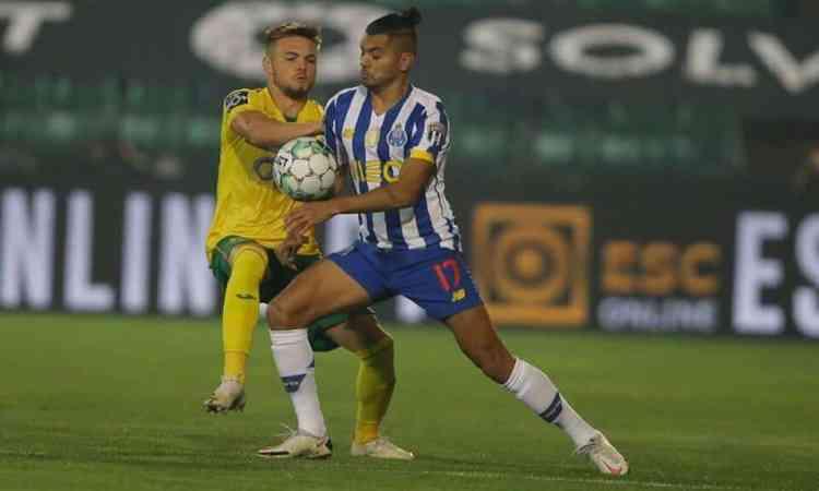 ¿Recuerdas a Stephen Eustaquio? Hizo gol en triunfo del Paços Ferreira sobre Porto