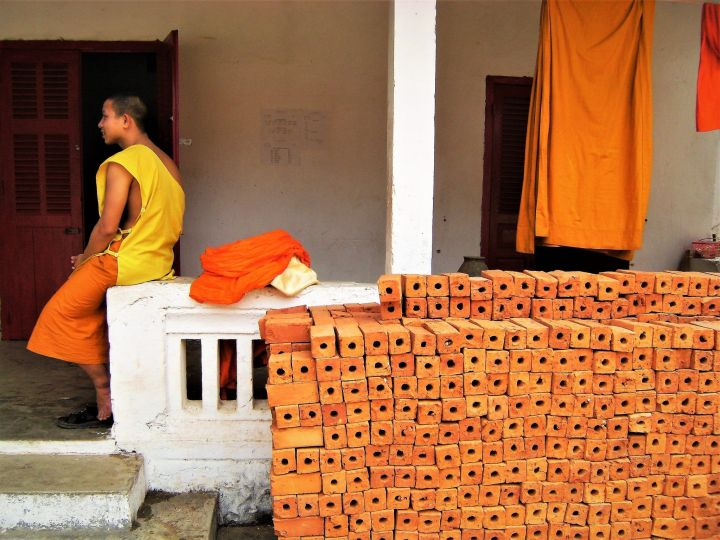 Monje en monasterio, Luang Prabang