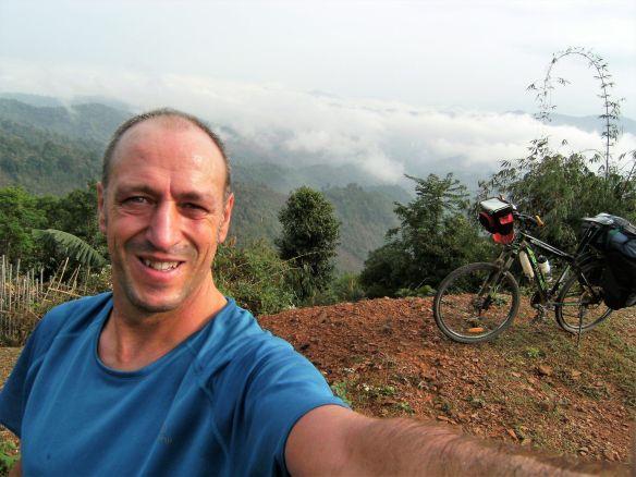 Pedaleando Laos  Impresiones de un mes en bicicleta por este