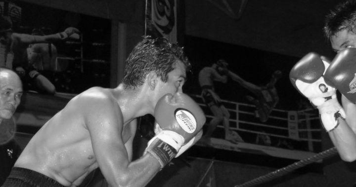 Amir combatiendo