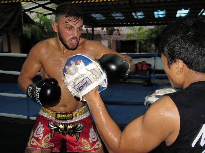 Gaetano, aficionado italiano entrenando, Kombat Group