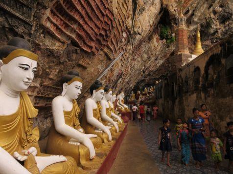 Budas en Cueva Kawgoon