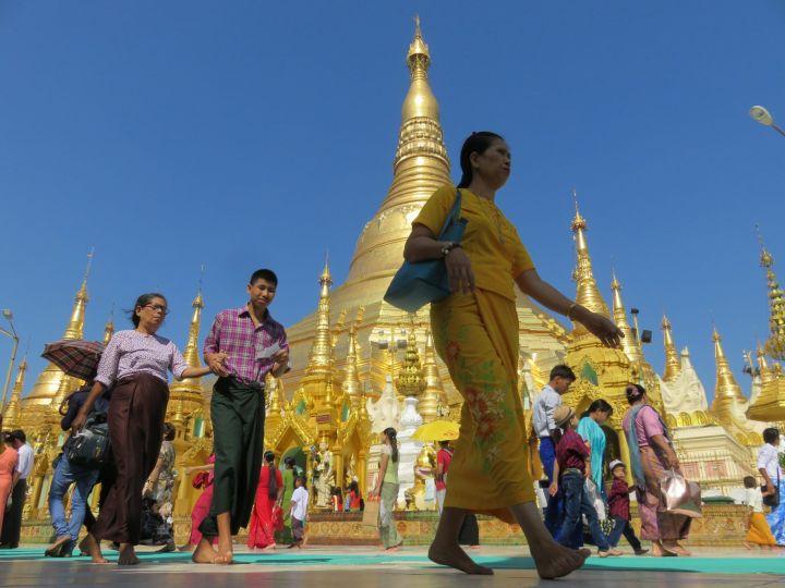 Pagoda Shwedagon en día festivo
