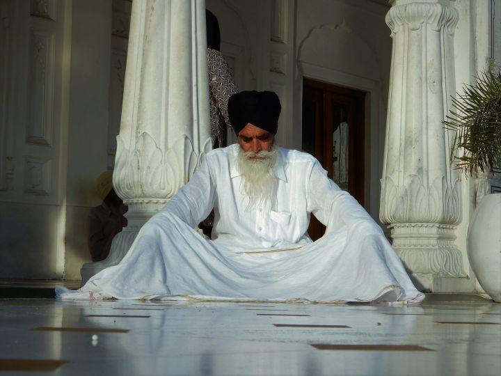 Anciano, Templo Dorado Golden Temple, Amritsar, India