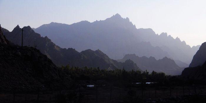 Vista de la montaña iraní, Armenia
