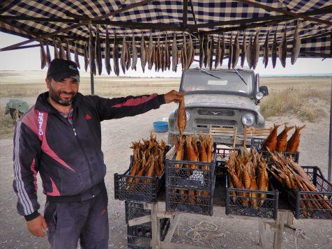 Vendedor de pescado, Lago Sevan, Armenia