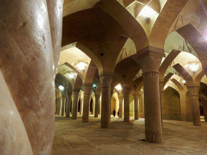 Columnas en Mezquita Vakil Mosque, Shiraz, Iran