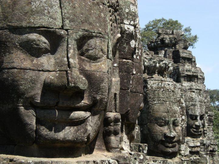 Estatuas en Templo Bayon, Angkor, Camboya