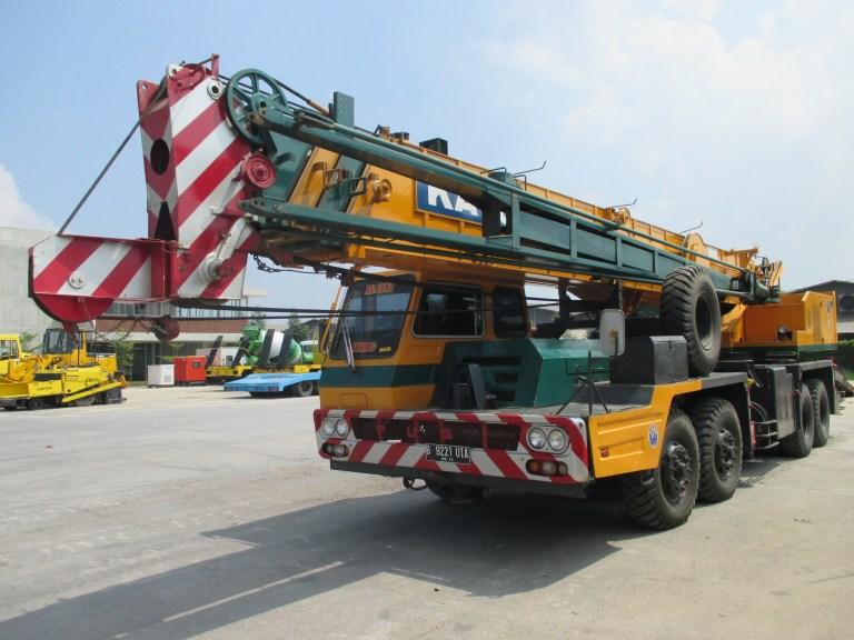 Kato NK-500B-V Hydraulic Truck Crane 50 ton S-N 2010144 (1)