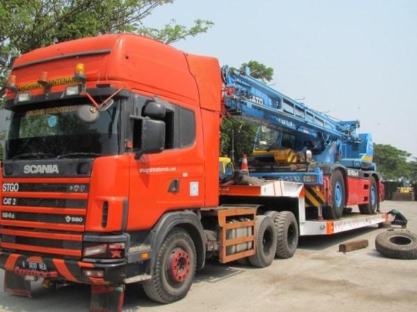Crane Ke Jakarta
