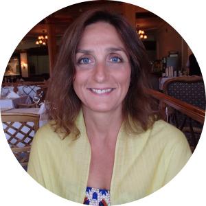 Meet Simone Machamer - TV Broadcaster & Filmmaker