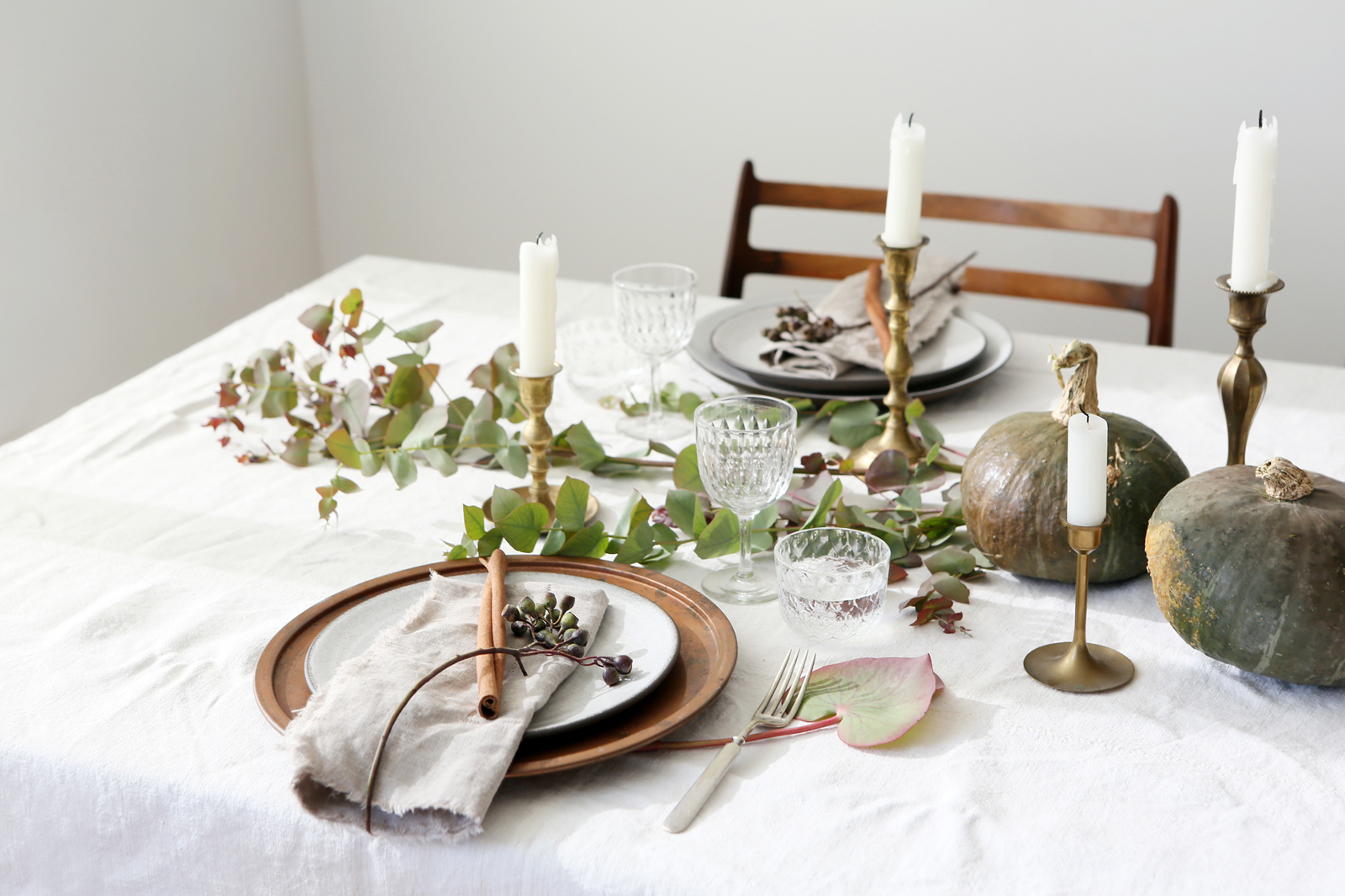 thanksgiving table setting rules