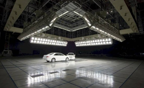 Vehicle to Vehicle test lighting system
