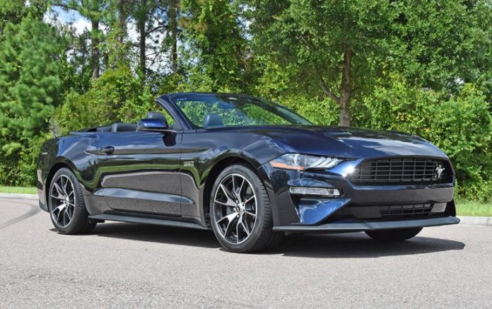 2021 ford mustang ecoboost convertible hpp feature 770x483 1