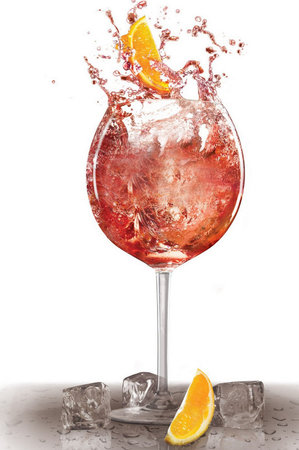 1800295_letni-drinky-alkohol-piti