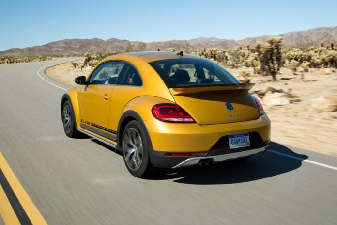 2016-Volkswagen-Beetle-Dune-4-900x600