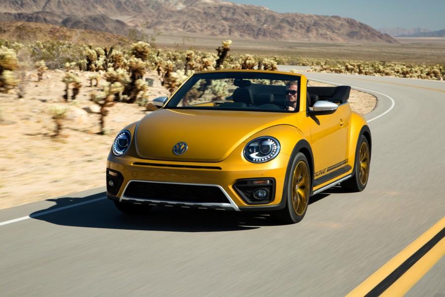 2016-Volkswagen-Beetle-Dune-8-900x600