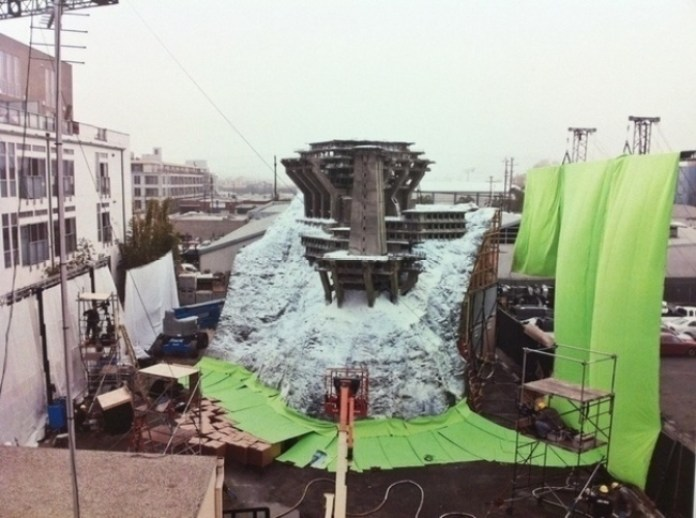 AD-Famous-Movie-Scenes-That-Were-Actually-Amazing-Miniature-Models-02