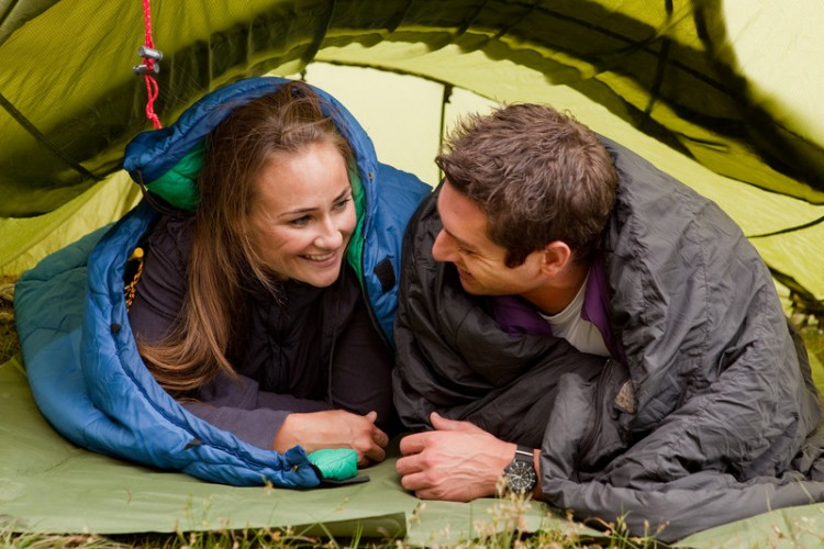 Couple-Camping-Instructions