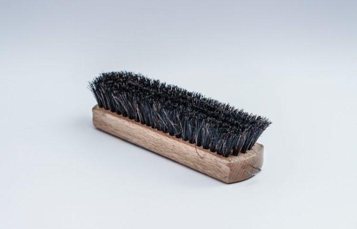 brush-1194452_1920