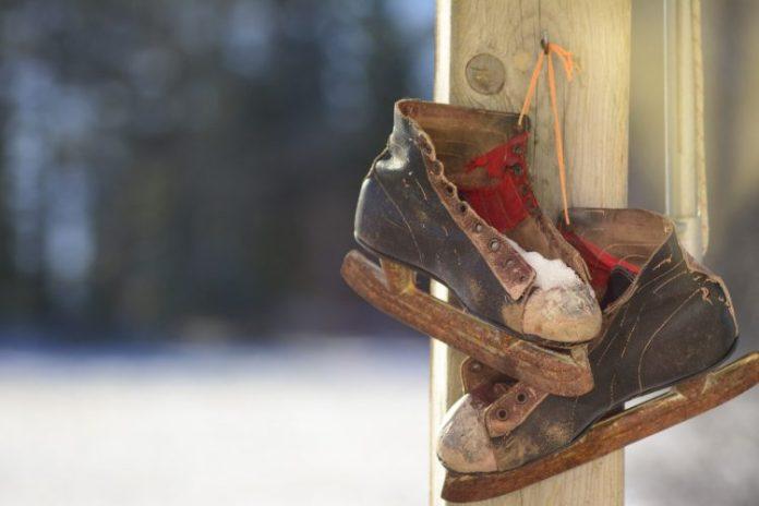 ice-skates-1081852_1920