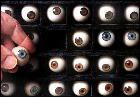 nigel-hiller-eyes1