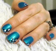 turned turquoise neon nail