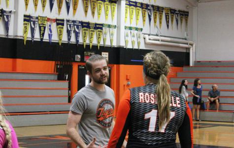 VOLLEYBALL: Transition to new coach contributes to struggle