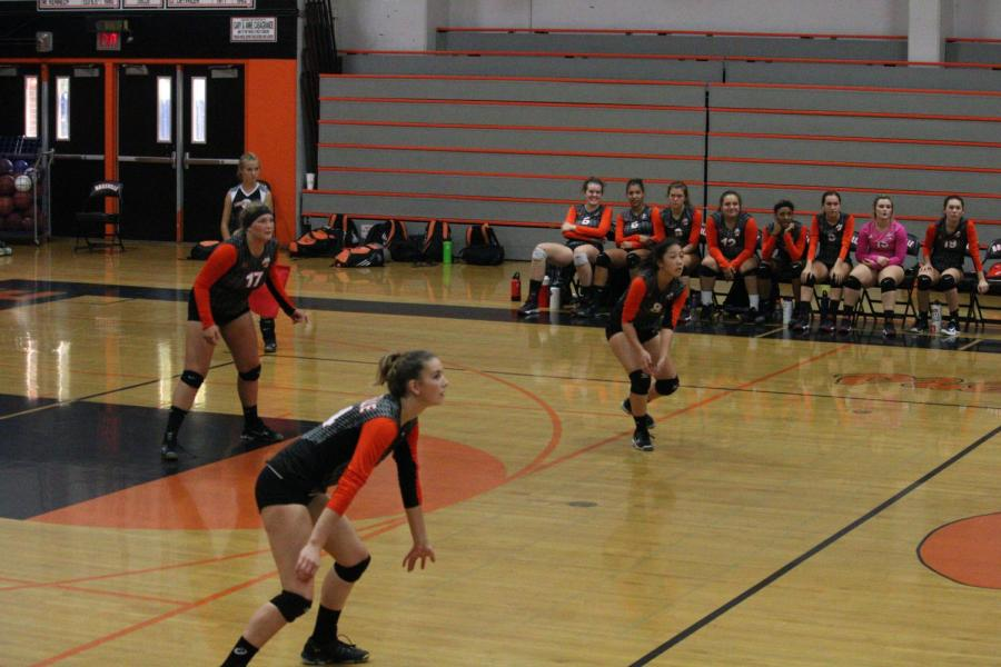 Varsity Volleyball triumphs over Oakmont