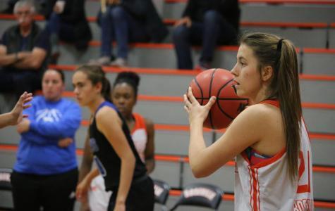 Girls varsity basketball improves league record with Inderkum win