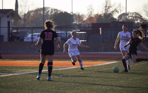 Girls varsity soccer ties Bella Vista, maintains first place