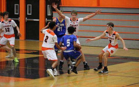 Boys basketball gets revenge on Yuba City Honkers