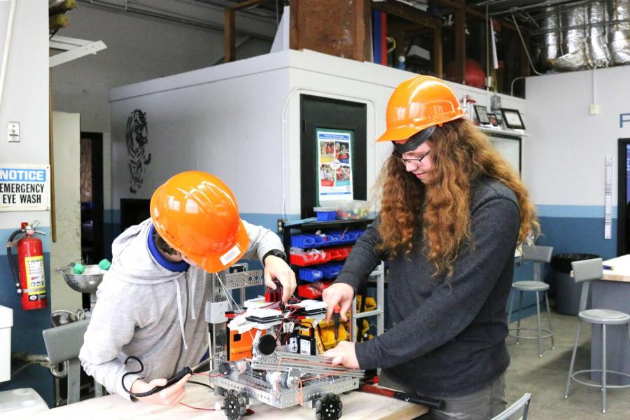 Students in John Fuller's engineering program work in class. While pathways in RJUHSD continue to evolve, CTE classes are not currently a graduation requirement.