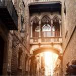 BARCELONA TRAVEL GUIDE:  THE ESSENTIALS FOR PLANNING YOUR TRIP