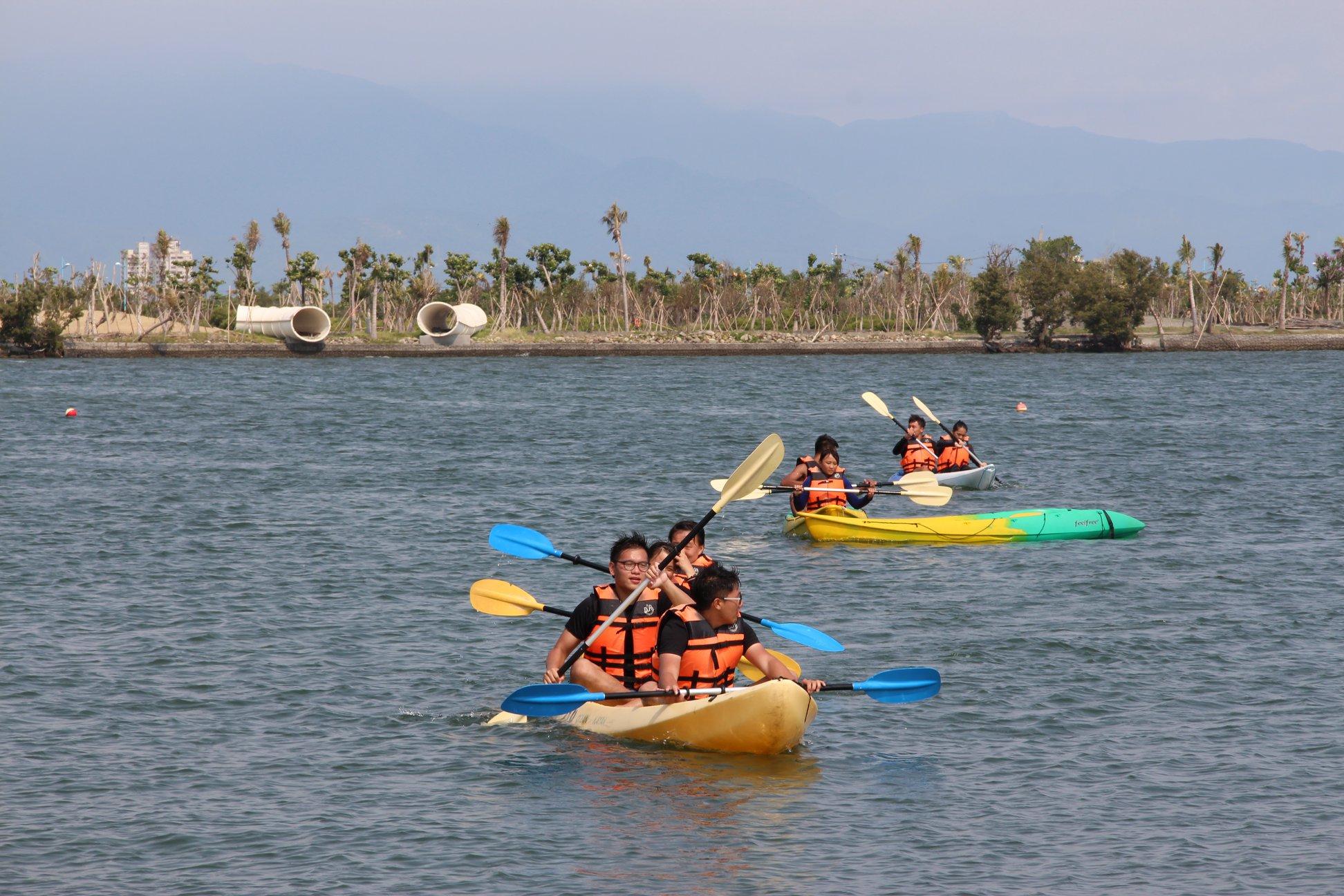 "Tourists enjoy kayaking at ""The Pen Bay International Leisure Zone"" (Taken from ""The Pen Bay International Leisure Zone"" Facebook Page)"