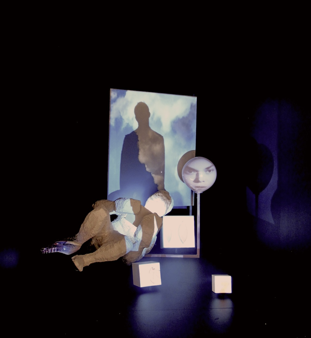 Tony Oursler, Aitia, 2013, Video projection, mixed media, sound, 67 x 71 x 67 inches