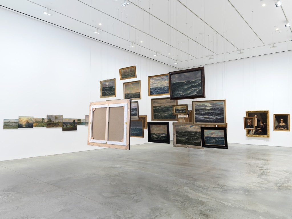 Hans-Peter Feldmann, Exhibition View at 303 Gallery, New York. Image courtesy of gallery, 2016