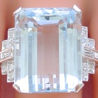 Gorgeous Vintage Aquamarine and Diamond Estate Ring