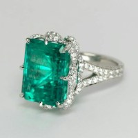 A Gorgeous Emerald and Diamond Platinum Ring
