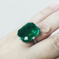 Gorgeous Colombian Emerald Ring