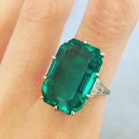 Spectacular Colombian Emerald and Diamond Ring