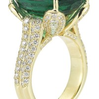 16.47 Carat Oval Cut Emerald and Diamond 18K Yellow Gold Ring