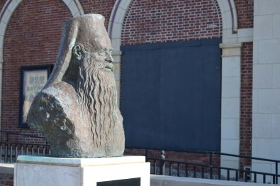 don't know who Patriarch Athenagoras I is but I like the statue