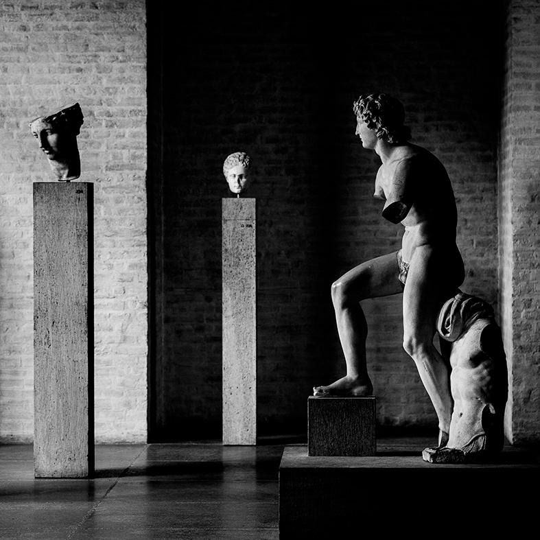 Marcello Grassi Statua di Alessandro Magno, detta Alessandro 'Rondanini' copia antica di originale del 338 a.C. München Glyptothek, agosto 2015 1/5 stampa su carta cotone 100% Fine Art 28x28cm