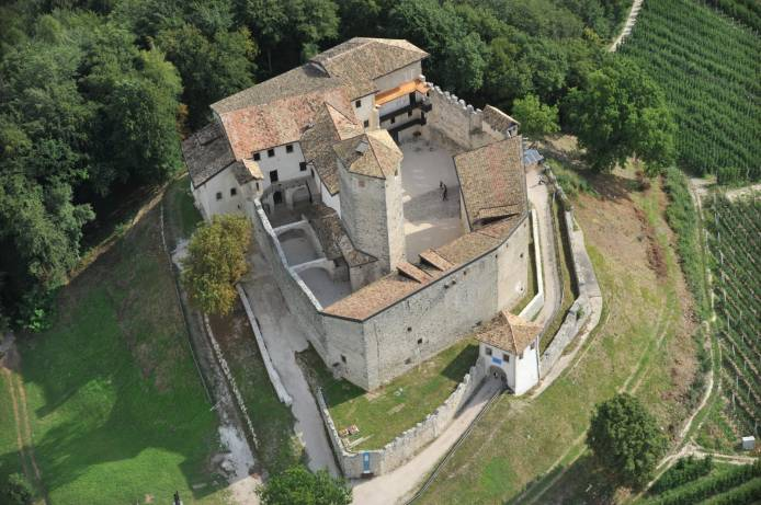 Castel Belasi ph. Sergio Zanotti