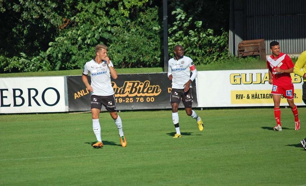 Anton Westerlund och Boris Lumbana i en U21-match mot Assyriska i juli 2013..